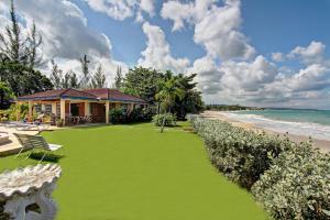 Baywatch Five Bedroom Villa - Runaway Bay