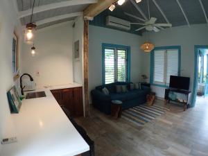 Bahia One Bedroom Apartment - Runaway Bay