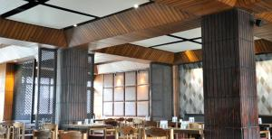 Hotel Ahdoos, Отели  Сринагар - big - 15
