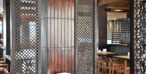 Hotel Ahdoos, Отели  Сринагар - big - 16