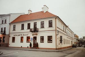 Rynek 6 retro pub hostel