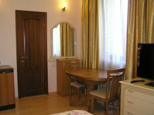 Comfortel ApartHotel, Aparthotels  Odessa - big - 51