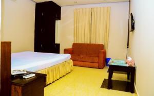 Royal Living Hotel & Suits, Hotel  Chittagong - big - 18