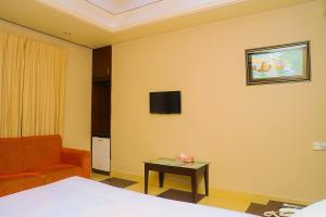 Royal Living Hotel & Suits, Hotel  Chittagong - big - 17