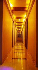 Royal Living Hotel & Suits, Hotel  Chittagong - big - 19