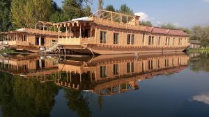 Houseboat Palace Heights, Szállodák  Szrínagar - big - 33