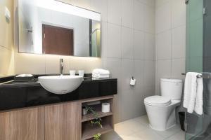 Christina's Hanoi - Lancaster City Living, Apartments  Hanoi - big - 55
