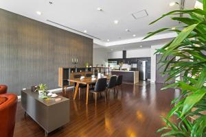 Christina's Hanoi - Lancaster City Living, Apartments  Hanoi - big - 89