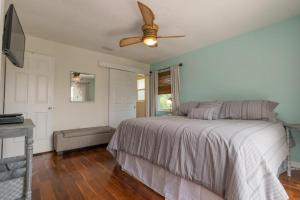 Bliss & Tonic Two Bedroom Apartment Upstairs - Prices Key