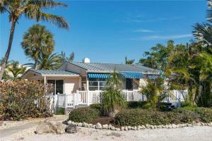 Anna Cabana Beach Two Bedroom Villa - Holmes Beach