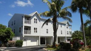 Cove at Sandy Pointe Two Bedroom Apartment, 202a - Perico Island