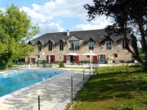 Auberge De Cartassac - Hotel - Sarrazac