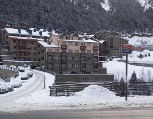 First Line Mountain View Ski Apartment - Soldeu