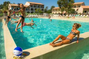 Location gîte, chambres d'hotes Résidence Goélia Perla D'Isula dans le département Corse du Sud 2a