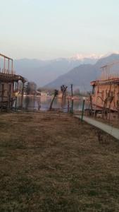 Sher I Kashmir houseboats, Szállodák  Szrínagar - big - 13