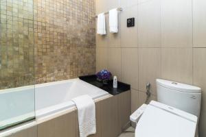 Christina's Hanoi - Lancaster City Living, Apartments  Hanoi - big - 18