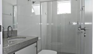 Lindo Apartamento de 3 Suites próximo ao Mar, Apartmány  Bombinhas - big - 17