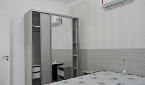 Lindo Apartamento de 3 Suites próximo ao Mar, Apartmány  Bombinhas - big - 26