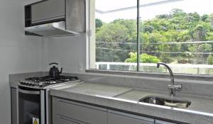 Lindo Apartamento de 3 Suites próximo ao Mar, Apartmány  Bombinhas - big - 28
