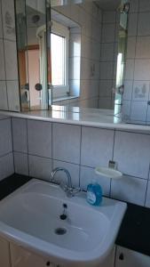 Ferienhaus Klabautermann, Apartments  Hage - big - 5