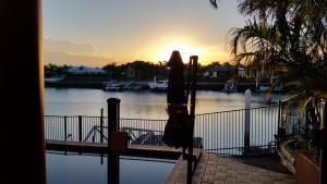 Hepburn Holiday Haven, Holiday homes  Banksia Beach - big - 29