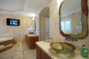 Villa Paradiso, Dovolenkové domy  Cape Coral - big - 22