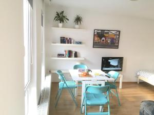 M11 Sunny Apartment - City Centre