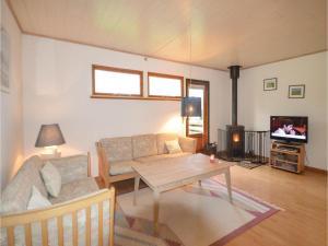 Three-Bedroom Holiday Home in Vaggerlose, Ferienhäuser  Bøtø By - big - 3