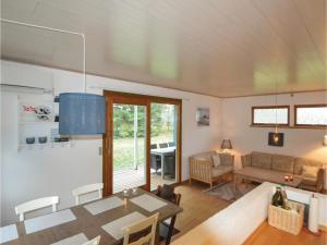 Three-Bedroom Holiday Home in Vaggerlose, Ferienhäuser  Bøtø By - big - 6