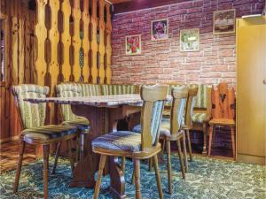 Six-Bedroom Holiday Home in Stefanov nad Oravou, Ferienhäuser  Horný Štefanov - big - 12