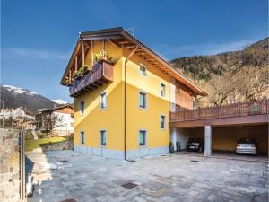 Two-Bedroom Apartment in Sutrio -UD-