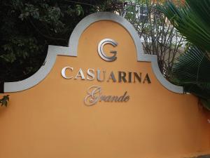 Casuarina Grande - Farm Road