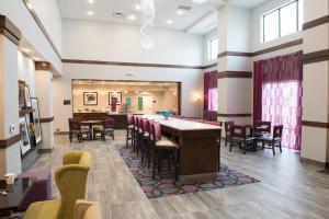 Hampton Inn and Suites Bay City - Hotel