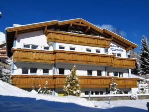 Aparthotels Berwang (Landhaus Cornelia) - Hotel - Berwang