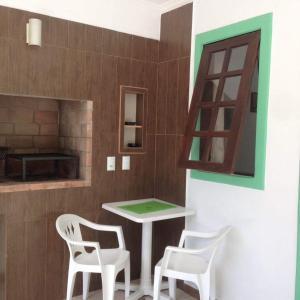 Residencial Gringos Verde e Laranja, Апартаменты  Бомбиньяс - big - 4