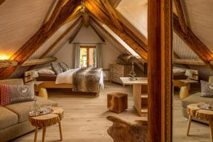Chesa Staila Hotel - B&B, Bed & Breakfasts  La Punt-Chamues-ch - big - 1