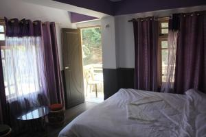 The Ace Pine Valley, Hotely  Pelling - big - 3