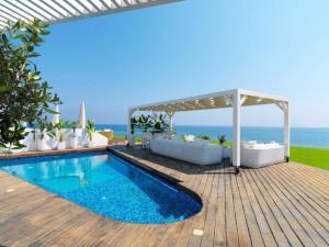"""Beachfront Dream Villa """"The Perfect Villa"""" Protaras Villa 38"""