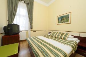 __{offers.Best_flights}__ Hotel Blaha Lujza