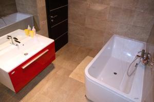 Apartments Villa Sunrise, Ferienwohnungen  Trogir - big - 41