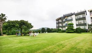 Jeju Dioville Pension, Дома для отпуска  Согвипхо - big - 28