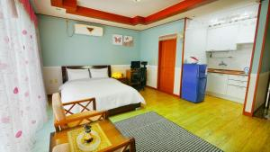 Jeju Dioville Pension, Дома для отпуска  Согвипхо - big - 26