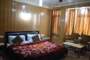 Kaisar, Hotely  Šrínagar - big - 11