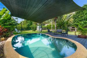 obrázek - Private Pool, Big Backyard, Aircon - Paradise!