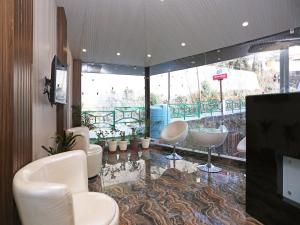 OYO 10076 Hotel Skylark, Hotels  Mussoorie - big - 17