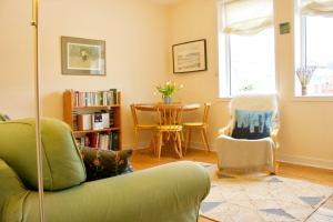 1 Bedroom Private Garden Flat - Seafield