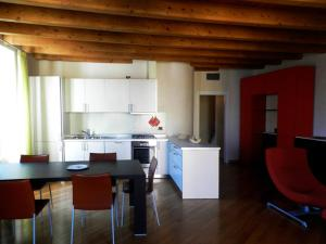 Appartamento Punta Lago - AbcAlberghi.com