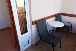 Standard Double Room with Balcony and Garden View Guest House Pasha