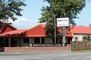 Oak Estate Motor Lodge - Accommodation - Greytown