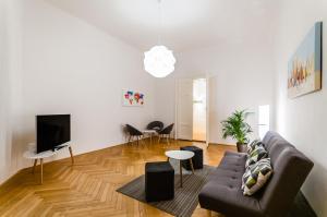 Square Apartments